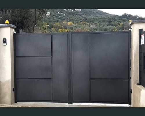 portails fer forg fabrication portails st tropez hy res. Black Bedroom Furniture Sets. Home Design Ideas