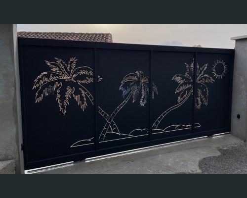 Portail coulissant découpe laser palmiers